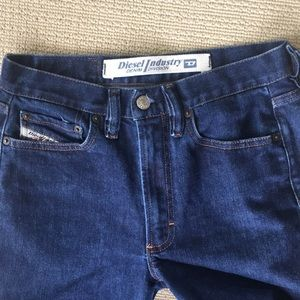 CLEARANCE!  Ladies Diesel Industry Jeans Size 27